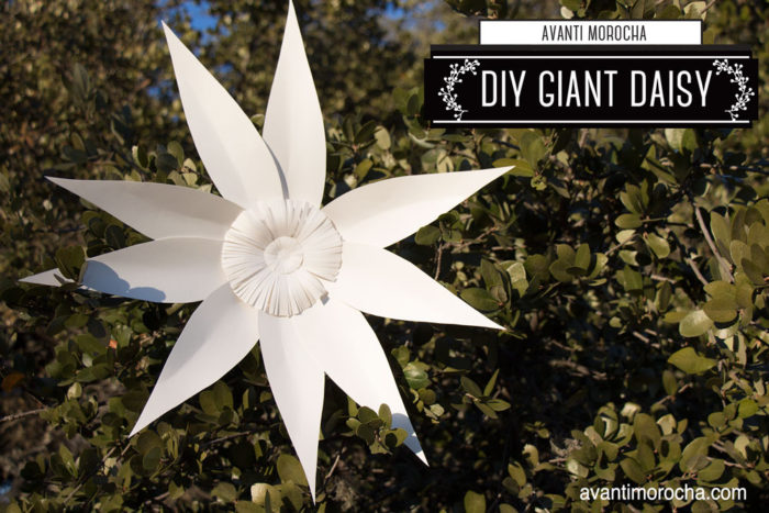 DIY Giant Paper Daisy