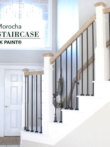 Farmhouse Staircase with Chalk Paint® | Escaleras estilo Farmhouse