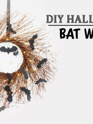 DIY Halloween Bat Wreath | Corona de Murciélagos