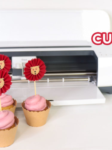 Cricut Valentine's Day Cupcake Toppers