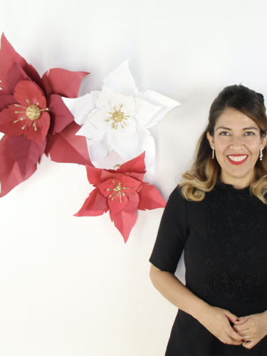 DIY Paper Poinsettia – Nochebuena